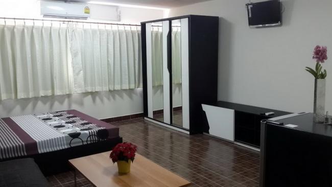ให้เช่าห้อง   ห้องเล็กด้านนอก อาคาร C9 ชั้น 16