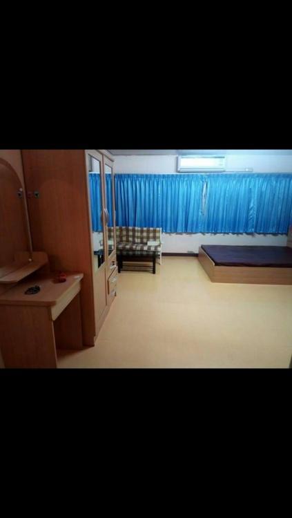 ให้เช่าห้อง   ห้องเล็กด้านนอก อาคาร C1 ชั้น 14