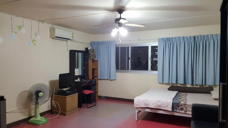 ให้เช่าห้อง   ห้องมุม อาคาร C2 ชั้น 3