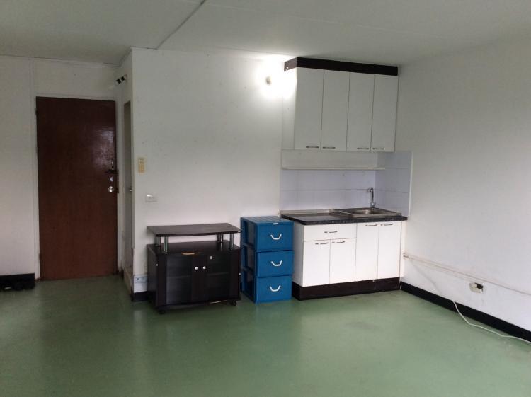 ให้เช่าห้อง   ห้องขนาดกลางด้านนอก อาคาร T4 ชั้น 13