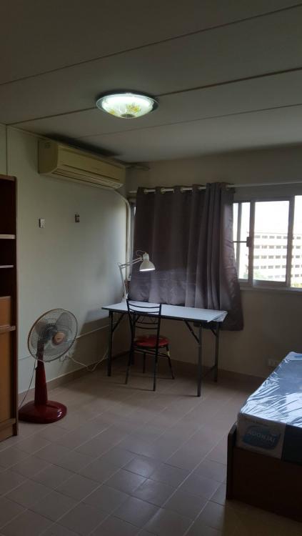 ให้เช่าห้อง   ห้องเล็กด้านนอก อาคาร T8 ชั้น 9