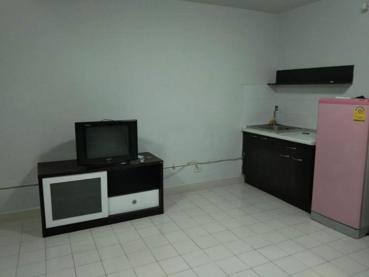 ที่พักเมืองทอง อาคาร T2 ห้องเล็กด้านนอก โทร 0814983388