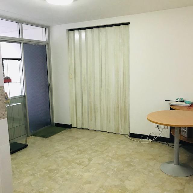 ให้เช่าห้อง   ห้องมุม อาคาร T2 ชั้น 2
