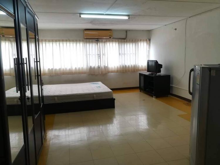 ขายห้อง ห้องเล็กด้านใน อาคาร C9 ชั้น 8