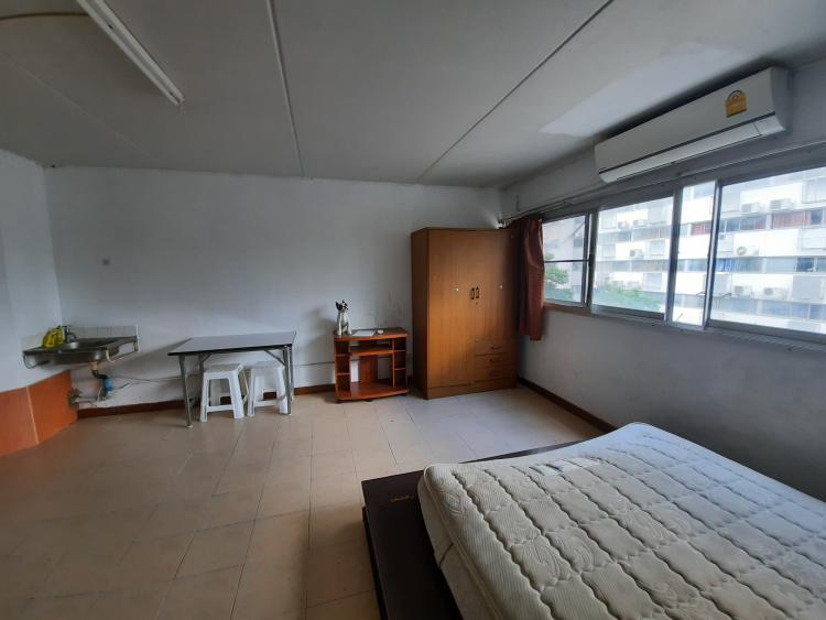 ให้เช่าห้อง   ข้างห้องมุม อาคาร T4 ชั้น 3