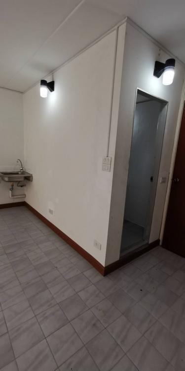 ให้เช่าห้อง   ห้องเล็กด้านใน อาคาร T4 ชั้น 10