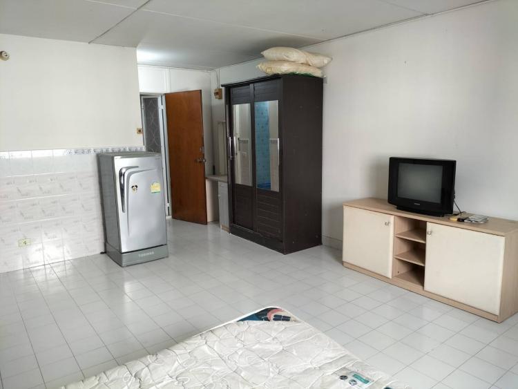ให้เช่าห้อง   ห้องเล็กด้านนอก อาคาร C4 ชั้น 13
