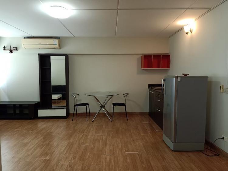 ให้เช่าห้อง   ห้องขนาดกลางด้านนอก อาคาร T12 ชั้น 9