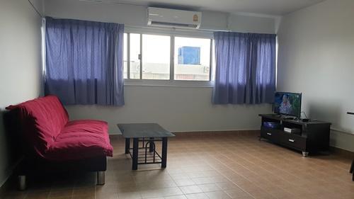 ที่พักเมืองทอง อาคาร T2 ห้องขนาดกลางด้านใน โทร 0818013183