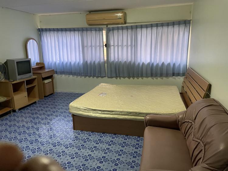 ให้เช่าห้อง   ห้องเล็กด้านใน อาคาร C9 ชั้น 5